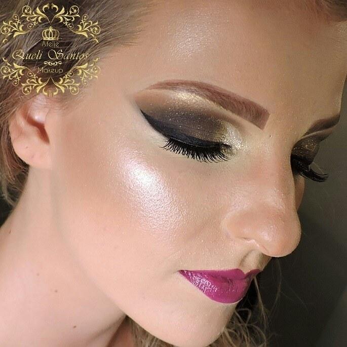 Maquiagem iluminada maquiagem empresário(a) / dono de negócio