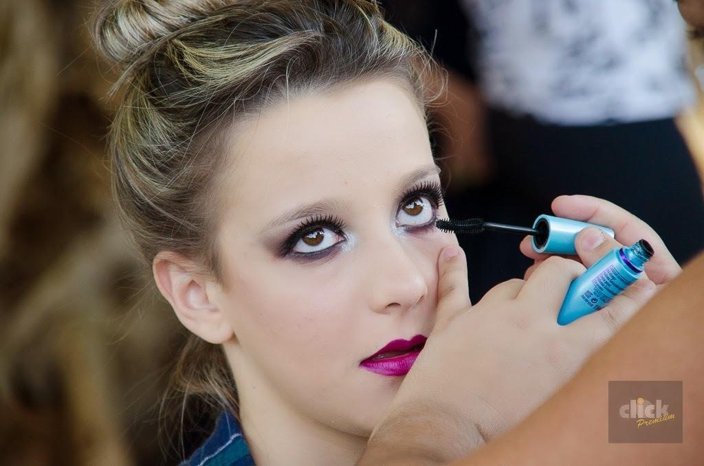 Making off  maquiagem maquiador(a) designer de sobrancelhas recepcionista