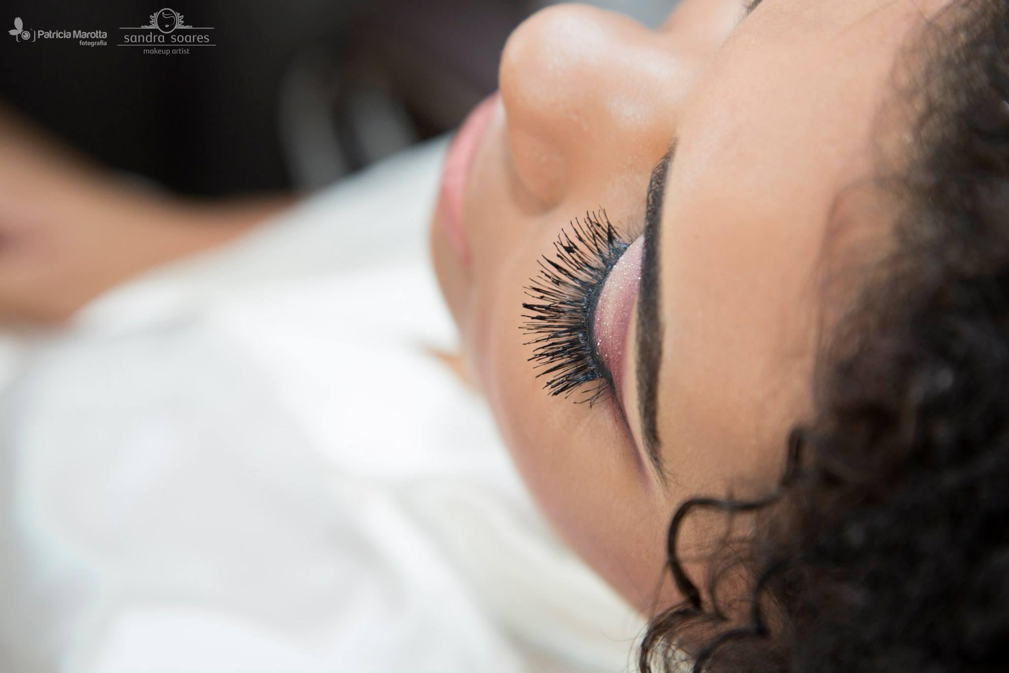 maquiagem maquiador(a) designer de sobrancelhas visagista cabeleireiro(a)