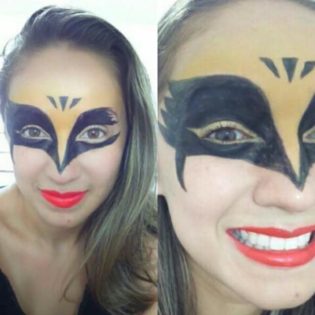 Mulher Gavião  Um teste.  maquiador(a) cabeleireiro(a)