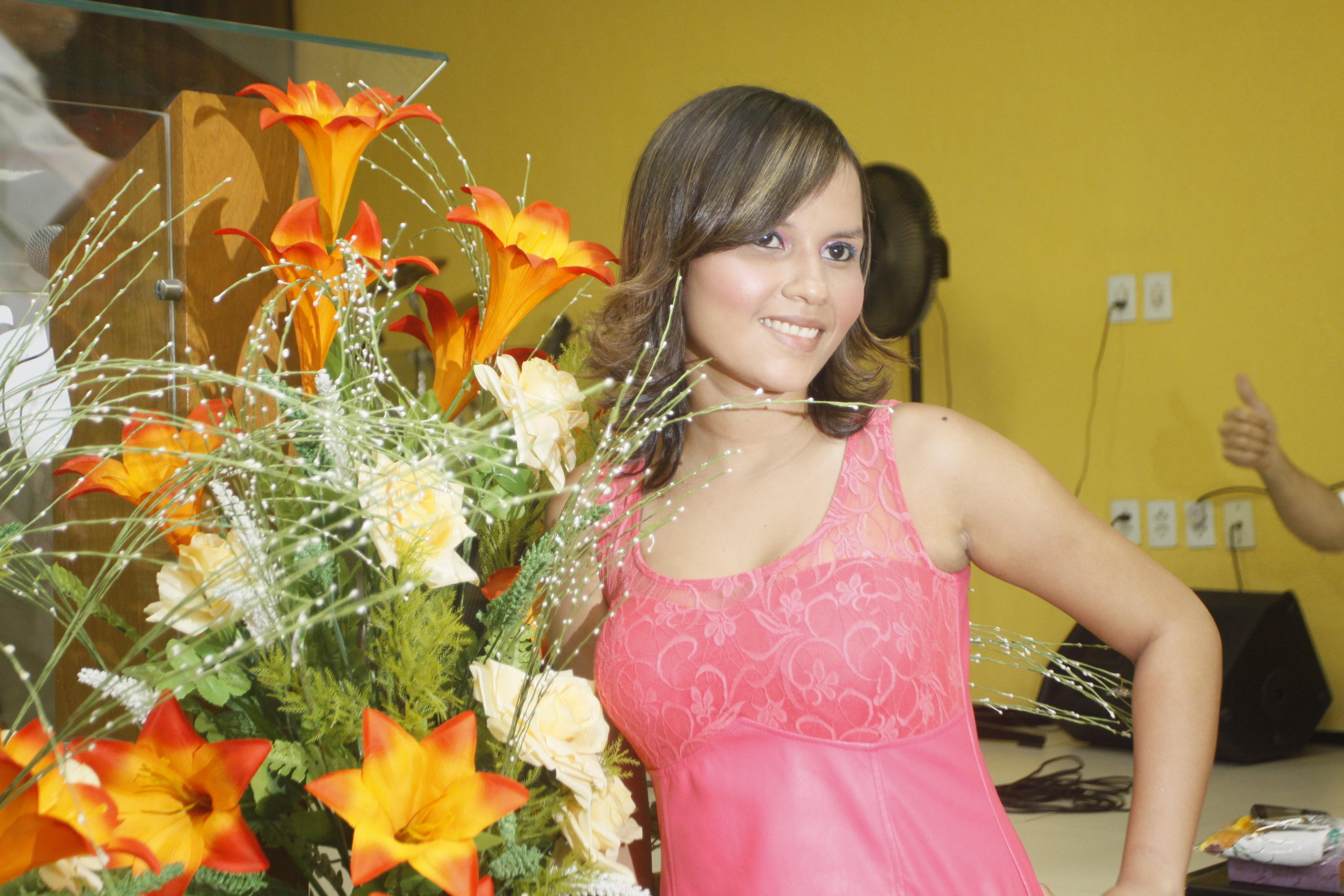 Marina Sousa auxiliar cabeleireiro(a)