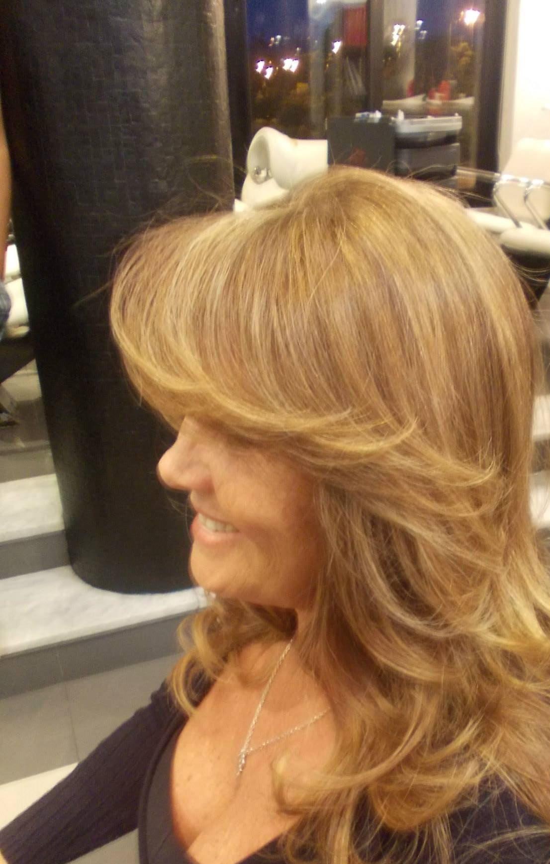 divando trabalho de coloração e mechas cabeleireiro(a)