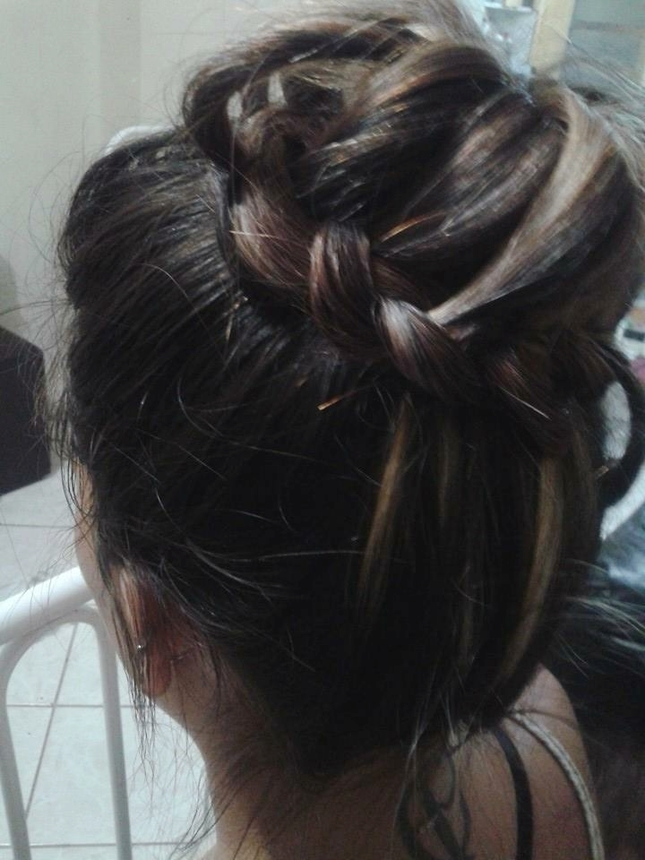cabelo auxiliar cabeleireiro(a) recepcionista atendente
