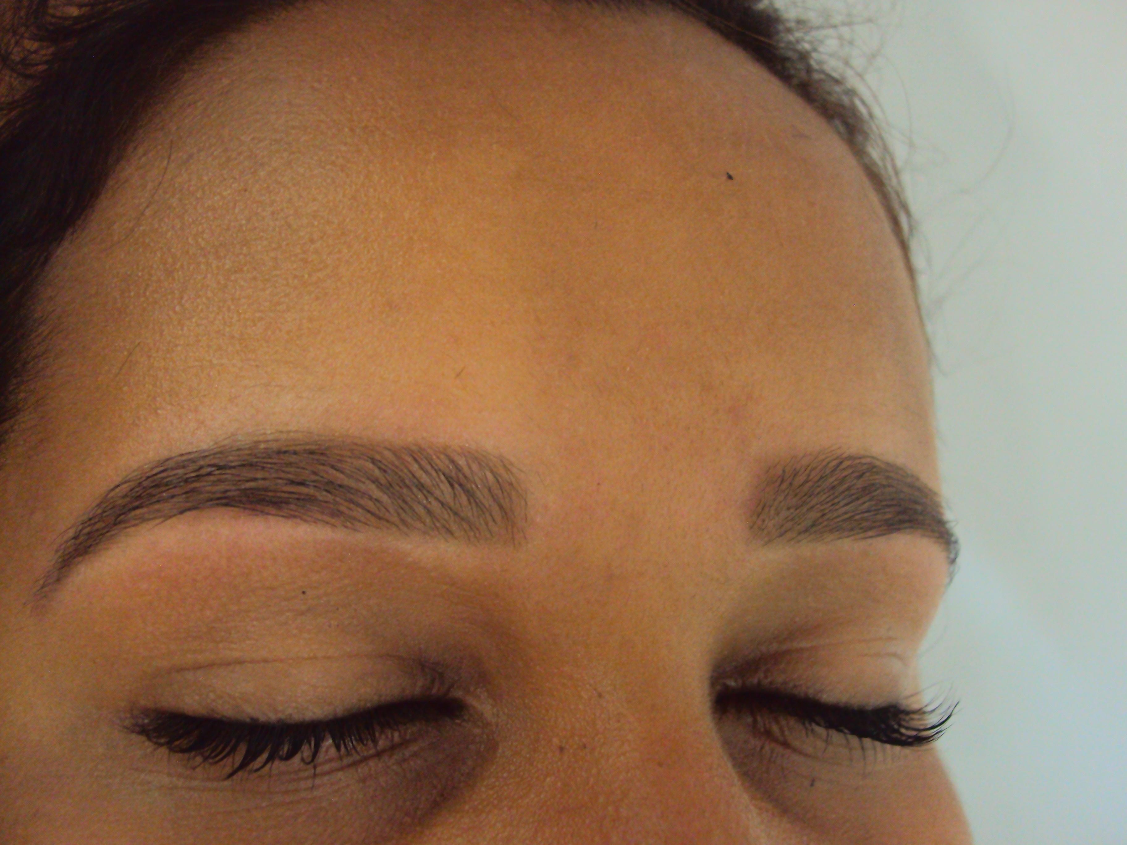 DEPOIS cabeleireiro(a) recepcionista designer de sobrancelhas depilador(a)