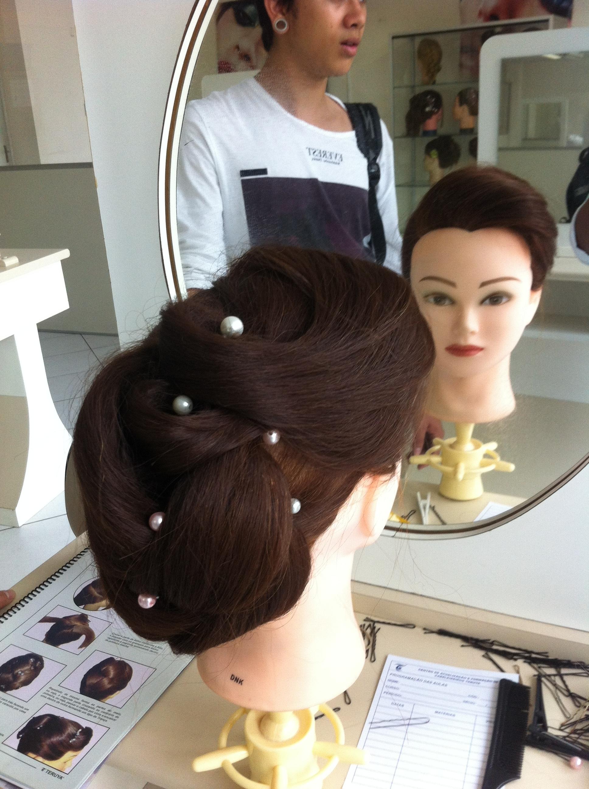 Penteado cabeleireiro(a) outros