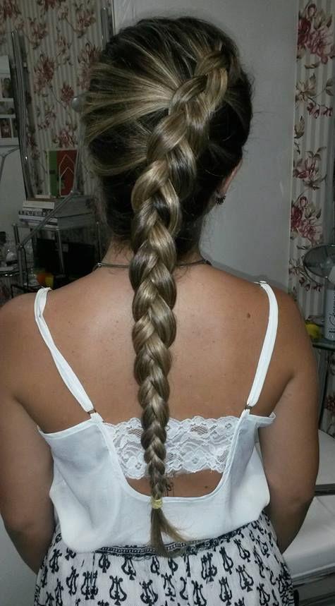 Trança tradicional para fora cabelo