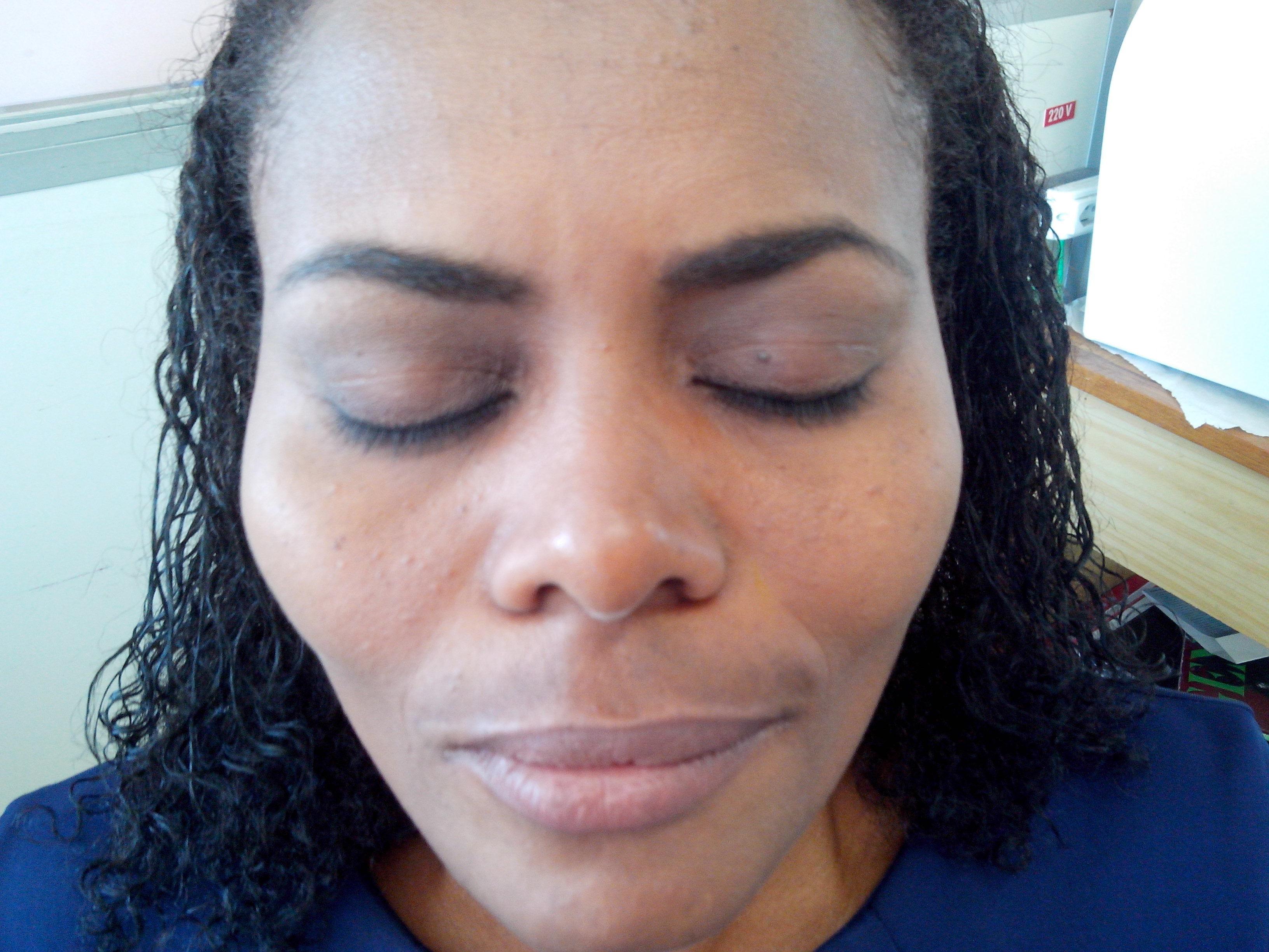 maquiagem assistente esteticista assistente maquiador(a) auxiliar administrativo