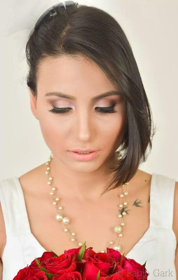 Maquiagem para noiva Maquiagem classica de noiva feita em studio para ensaio fotográfico.  maquiagem maquiador(a) designer de sobrancelhas auxiliar cabeleireiro(a)