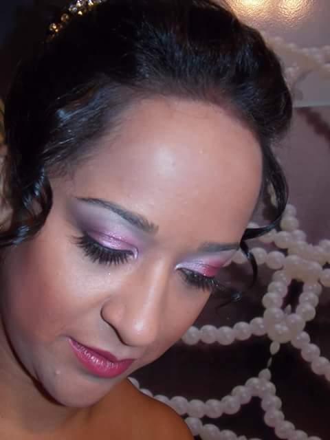 Maquiagem de noiva maquiador(a) designer de sobrancelhas auxiliar cabeleireiro(a)
