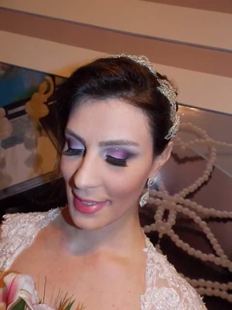 Make up noiva Maquiagem com olhos em preto rosa e branco e batom rosado.  maquiador(a) designer de sobrancelhas auxiliar cabeleireiro(a)