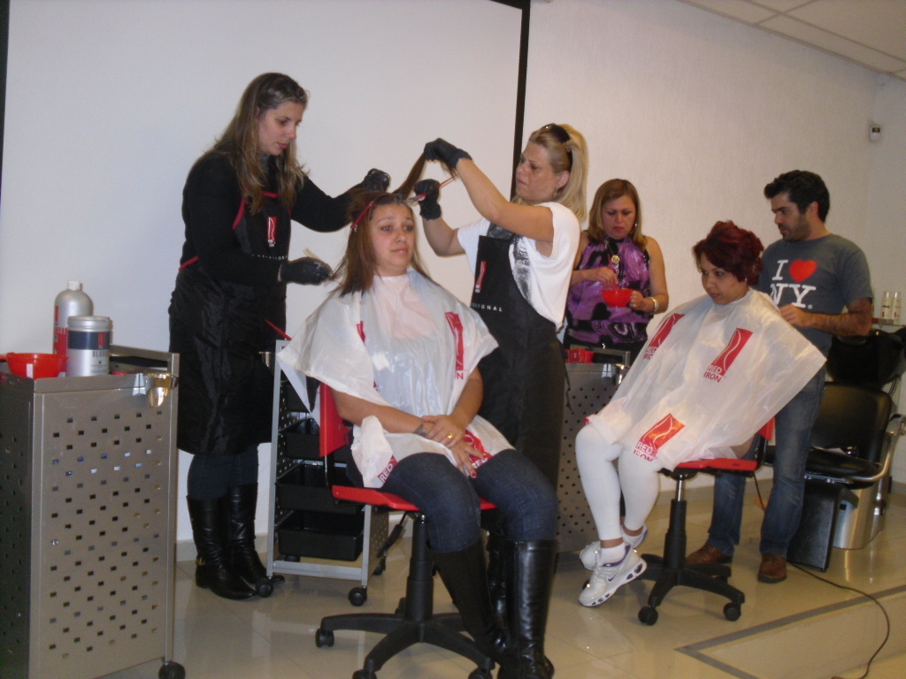 cabeleireiro(a) maquiador(a) manicure e pedicure atendente caixa recepcionista