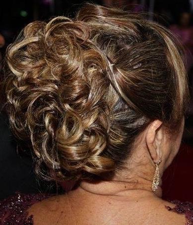 Penteado maquiador(a) cabeleireiro(a) designer de sobrancelhas