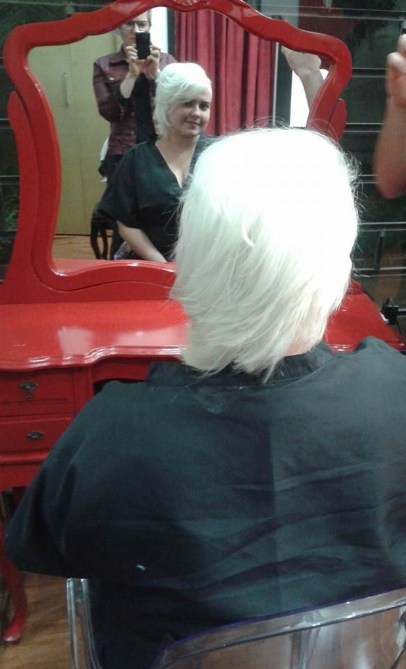descoloração global  foi descolorido duas vezes e tonalizado com 8\81 e E da igora  auxiliar cabeleireiro(a) depilador(a) designer de sobrancelhas manicure e pedicure cabeleireiro(a) escovista recepcionista