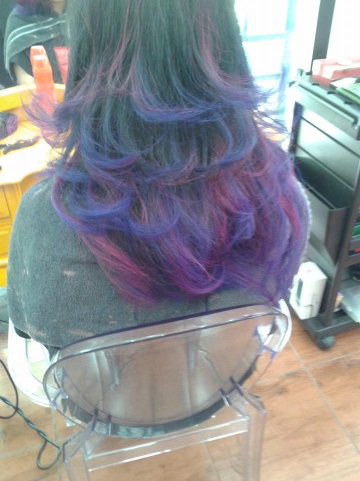 ombré  hair duas cores  auxiliar cabeleireiro(a) depilador(a) designer de sobrancelhas manicure e pedicure cabeleireiro(a) escovista recepcionista