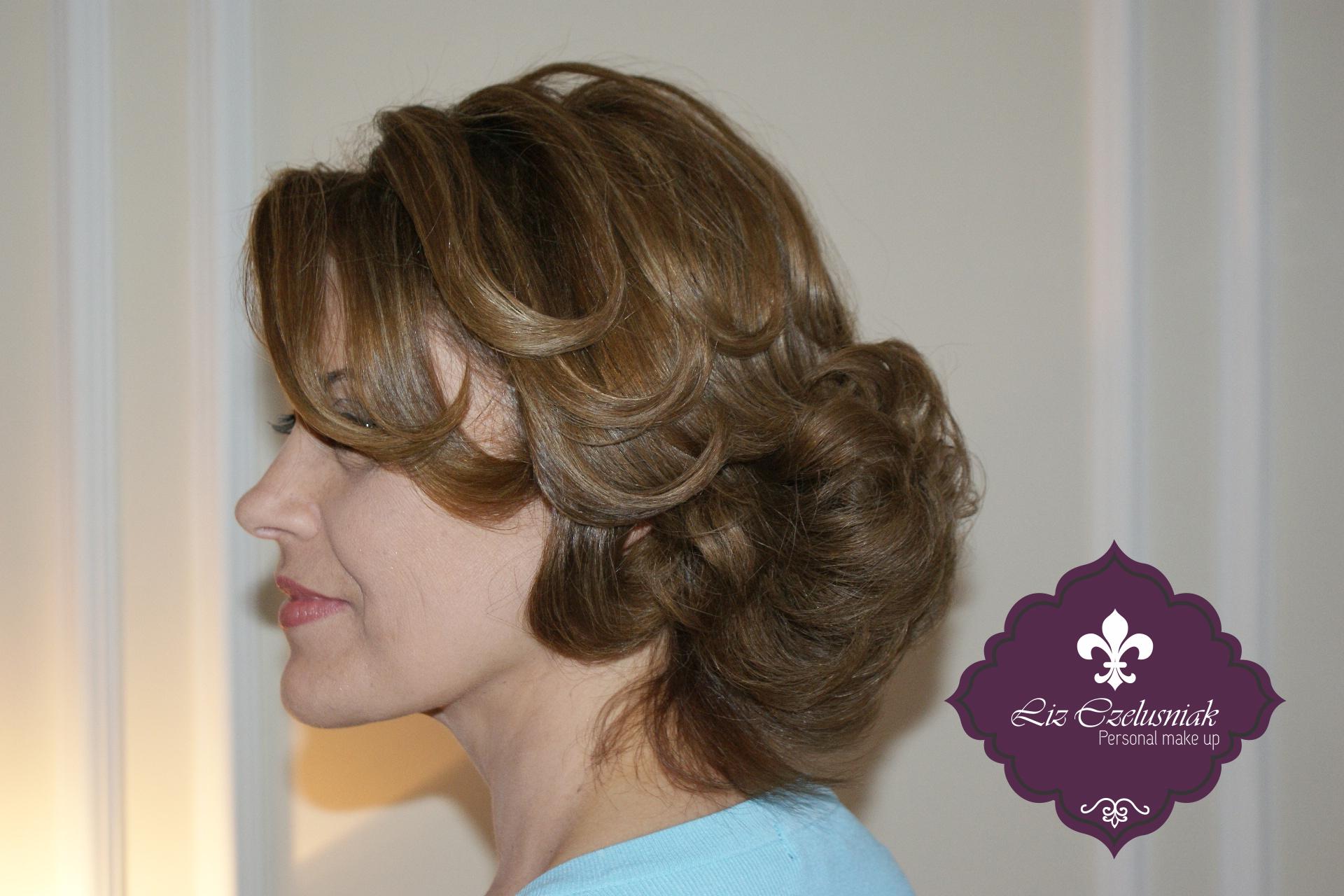 Hair  by Liz Czelusniak Penteado#Convidada#Casamento#Escova#modelada#dando#movimento#trabalhando#mechas#valorizando#corte#by#LizCzelusniak. maquiador(a) cabeleireiro(a) designer de sobrancelhas