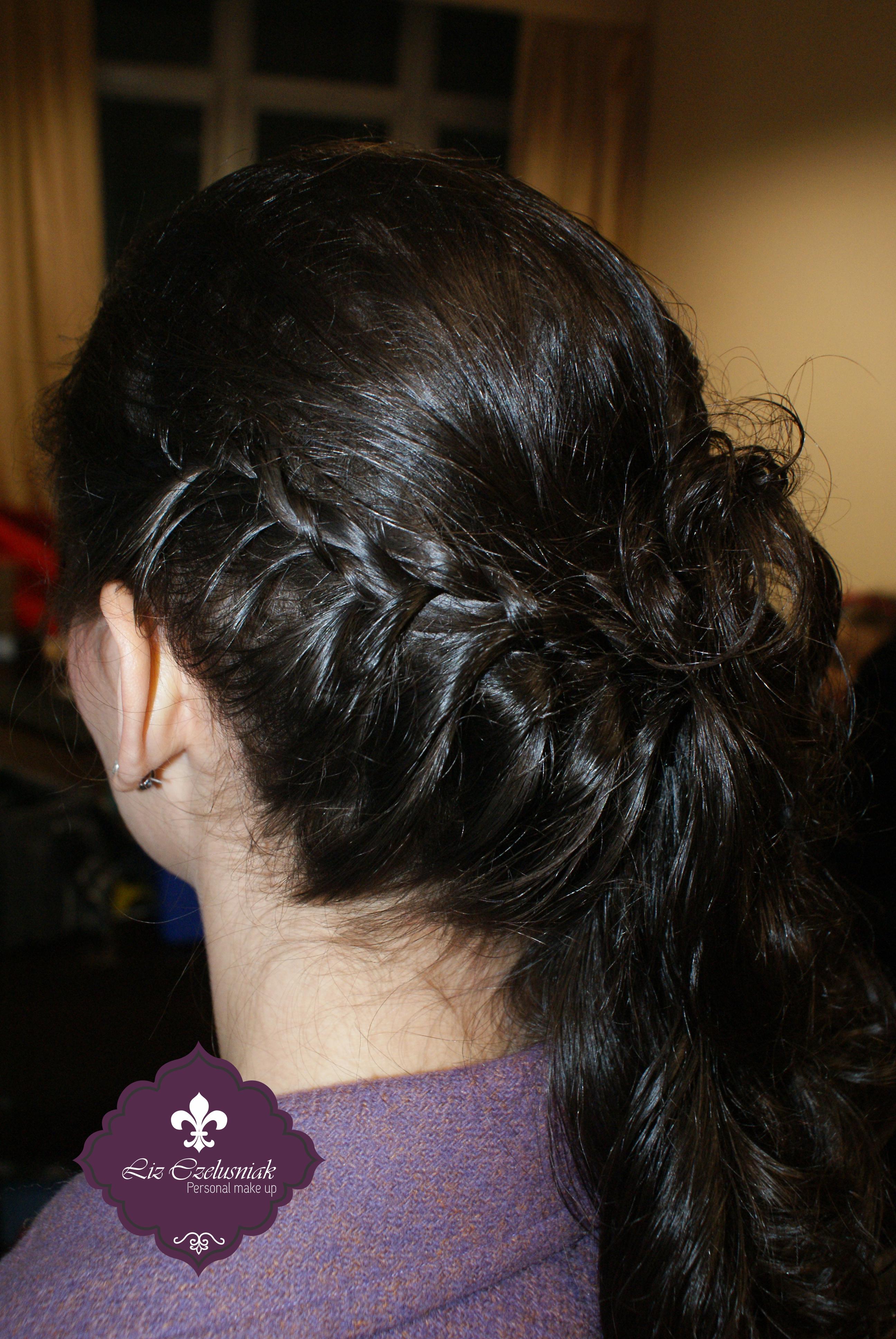 Hair by Liz Czelusniak Semi-preso# trançado lateral#Penteado#Formatura#by#LizCzelusniak maquiador(a) cabeleireiro(a) designer de sobrancelhas