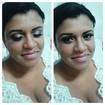 Maquiagem delicada para noiva, sem aplicação do batom.