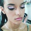 Maquiagem para debutante de desfile.