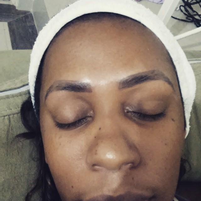 dermopigmentaçao de sobrancelhas  cabeleireiro(a) designer de sobrancelhas dermopigmentador(a) aromaterapeuta consultor(a) em imagem depilador(a) estudante esteticista stylist / visagista