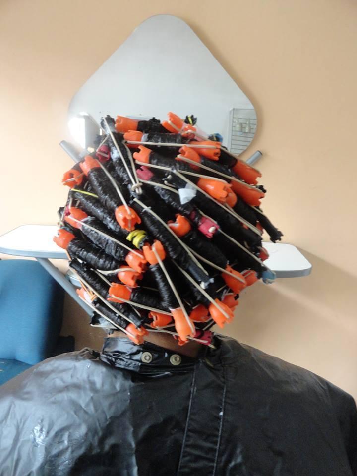 permanente afro cabeleireiro(a) atendente auxiliar administrativo auxiliar cabeleireiro(a) designer de sobrancelhas escovista recepcionista telemarketing