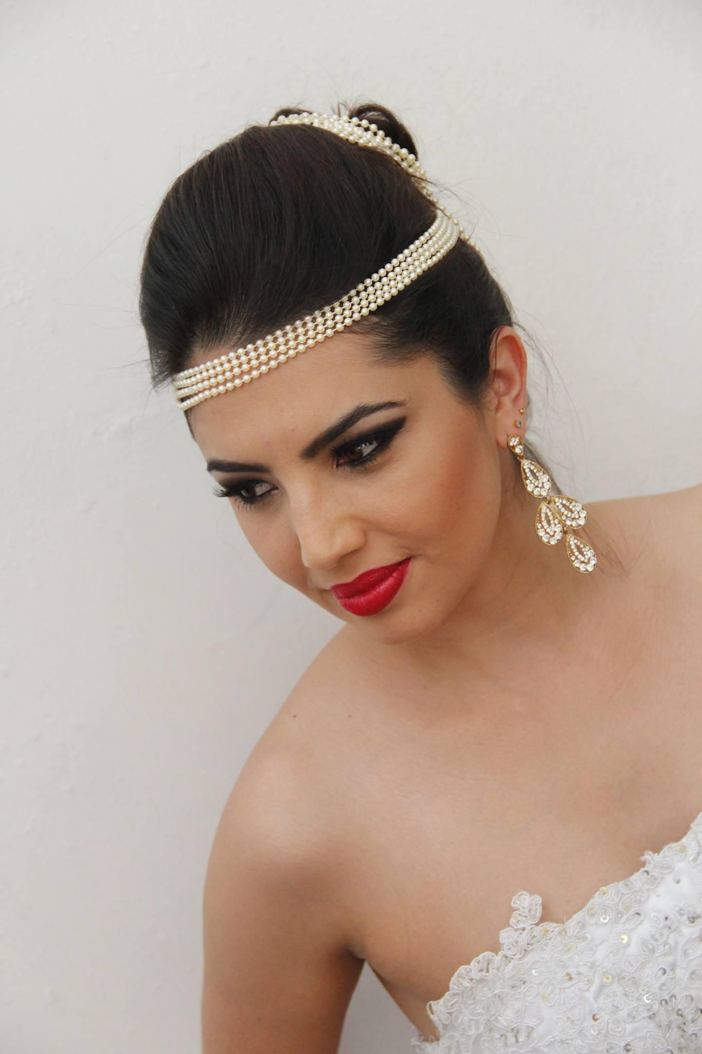 Noiva Ousada cabelo maquiagem  designer de sobrancelhas maquiador(a) consultor(a) em imagem