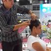 Demonstração de penteados Demonstração de penteados na Beauty Fair