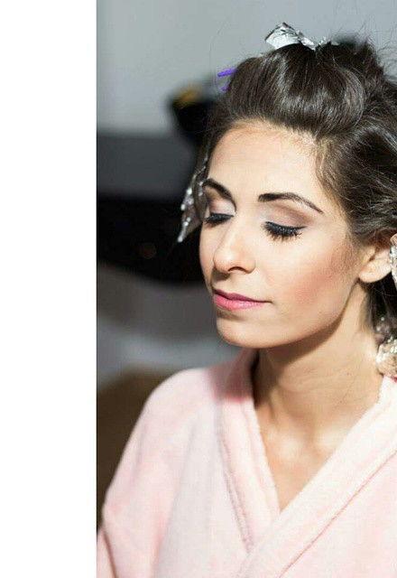 Noiva  maquiador(a) designer de sobrancelhas
