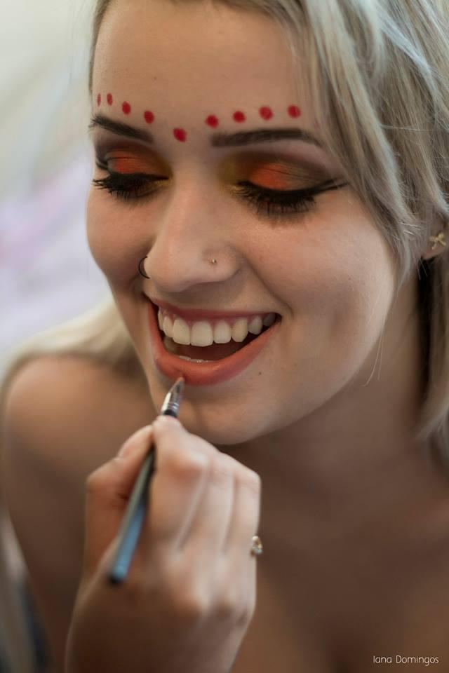 Produção artistica maquiagem artística maquiagem  maquiador(a) maquiador(a) maquiador(a)