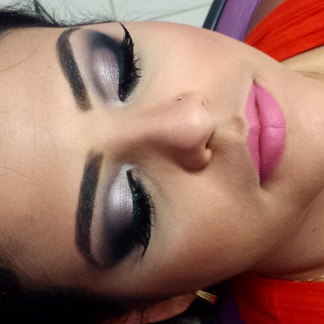 maquiador(a) designer de sobrancelhas gerente