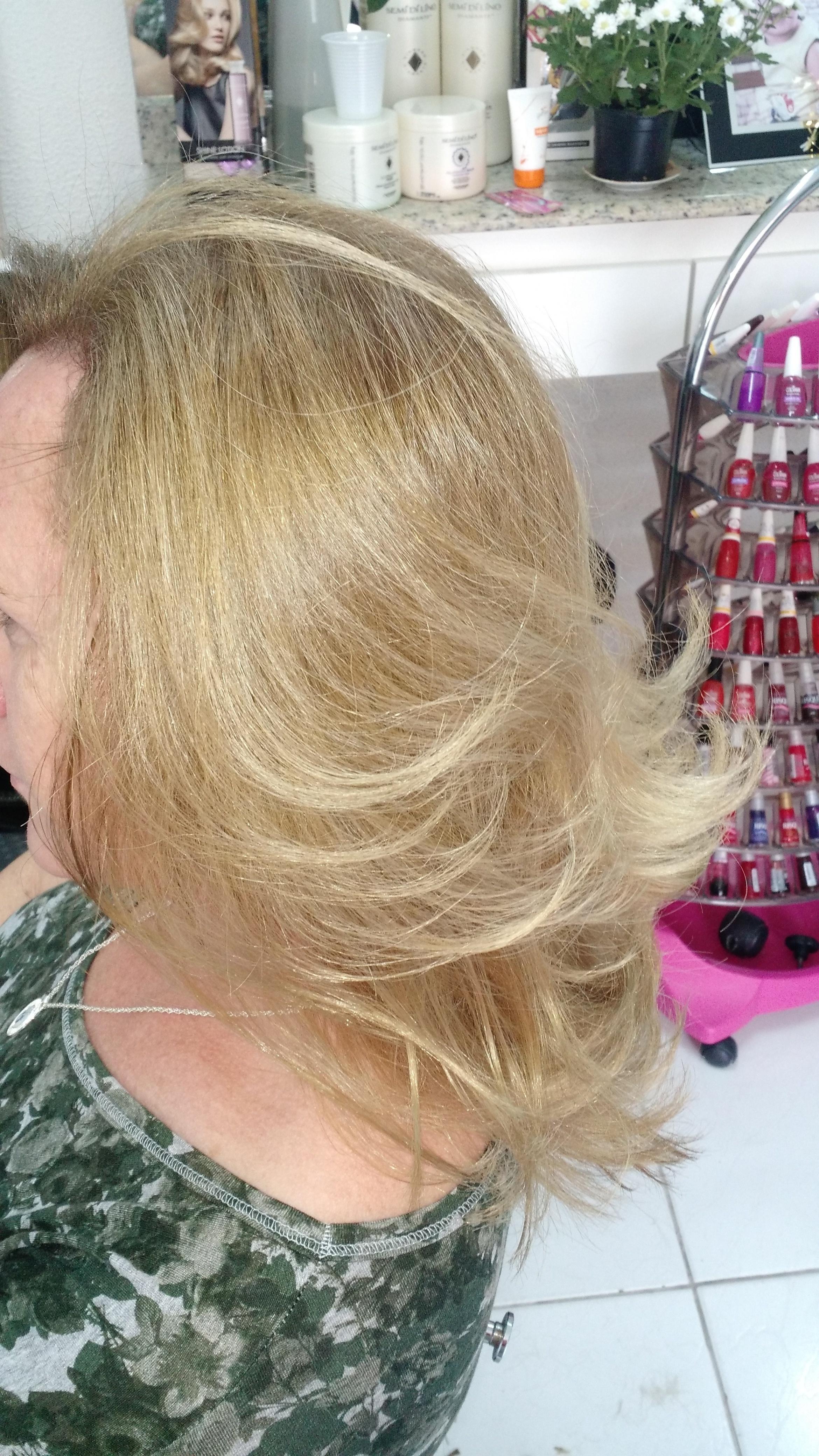 Coloração, luzes, corte cabeleireiro(a)