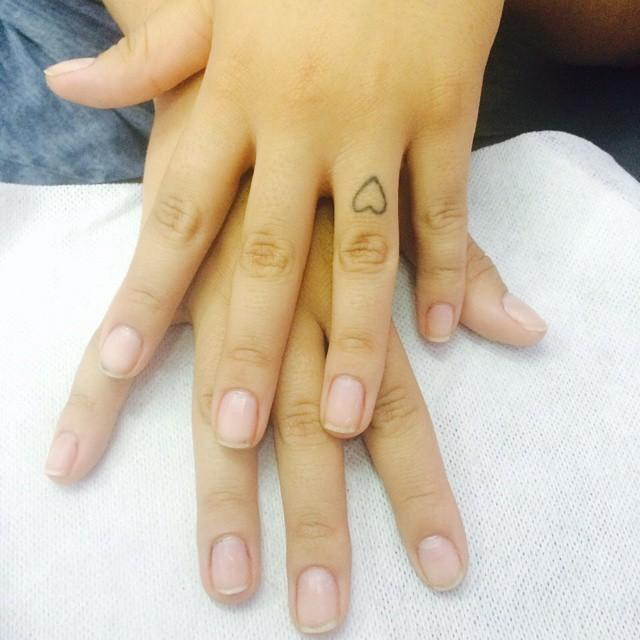 PREPARAÇÃO PARA FAZER O ALONGAMENTO DE ACRIGEL..... designer de sobrancelhas depilador(a) manicure e pedicure