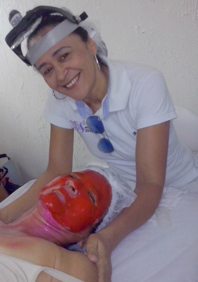 Tratamento de Rejuvenecimento Limpeza  Esfoliação tonificação fizi o  peeling de diamante vitamina c  depois apliquei a mascara de colágeno e acido hialurônico finalizei com fps 30 esteticista