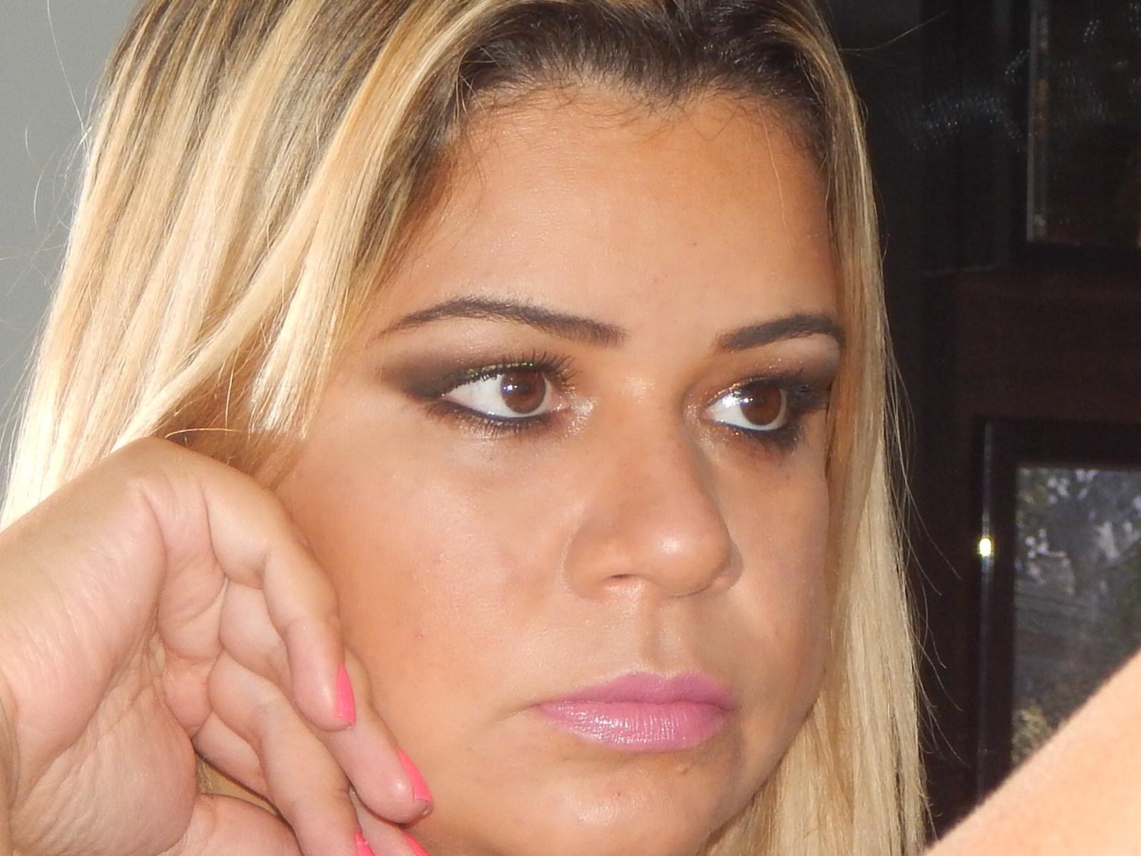 Maquiagem dia maquiador(a) esteticista designer de sobrancelhas