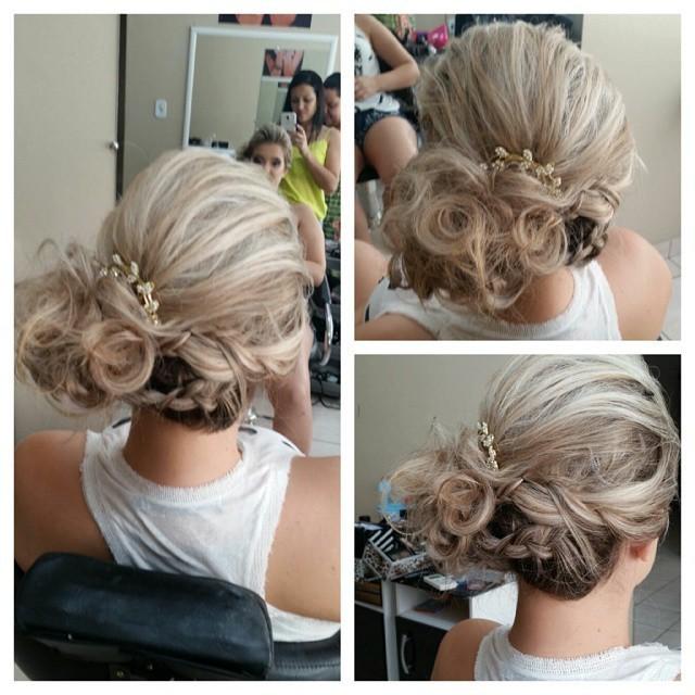 penteado preso, trança cabelo  maquiador(a) cabeleireiro(a) depilador(a) vendedor(a) designer de sobrancelhas outros empresário(a) / dono de negócio