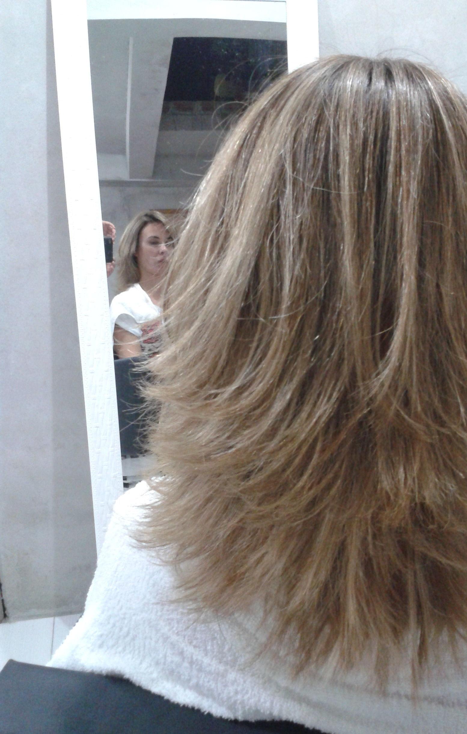Corte e hidratação cabeleireiro(a) maquiador(a)