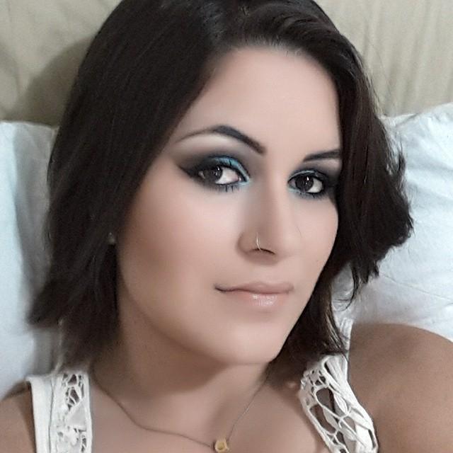 maquiador(a) designer de sobrancelhas esteticista estudante
