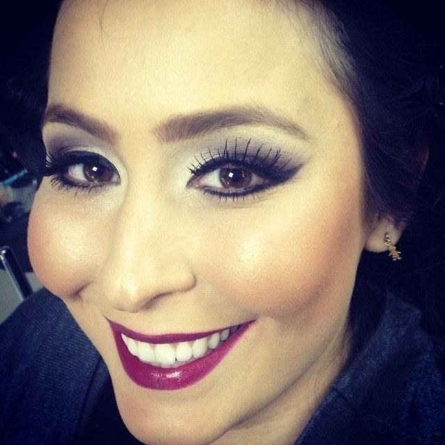 make up dia-a-dia, simples, esfumado maquiagem  maquiador(a)