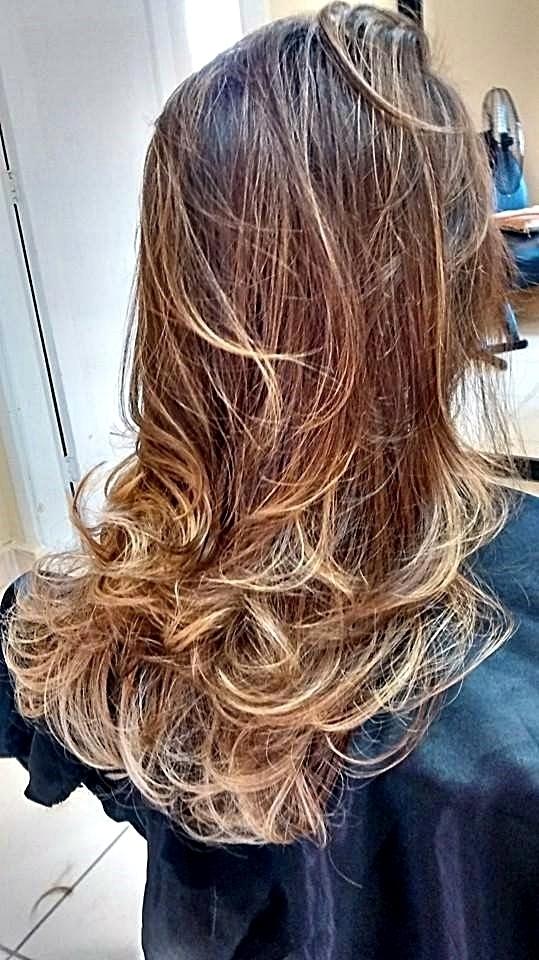Ombre-Hair cabeleireiro(a) maquiador(a) recepcionista