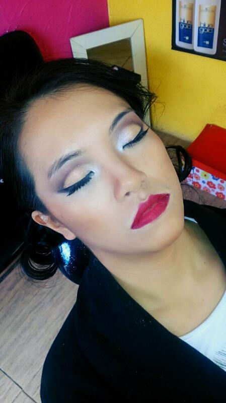 Make Oriental Cut Crease, Perfect Skin. festa, casamento, balada maquiagem  maquiador(a) auxiliar cabeleireiro(a)