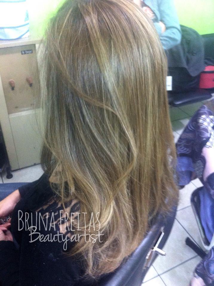 Correção de Cor + Luzes e tratamento capilar cabeleireiro(a) maquiador(a) micropigmentador(a)