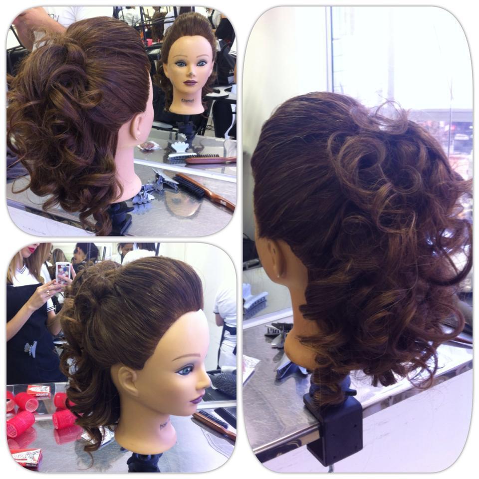 Moicano Cacheado cabeleireiro(a) maquiador(a) micropigmentador(a)
