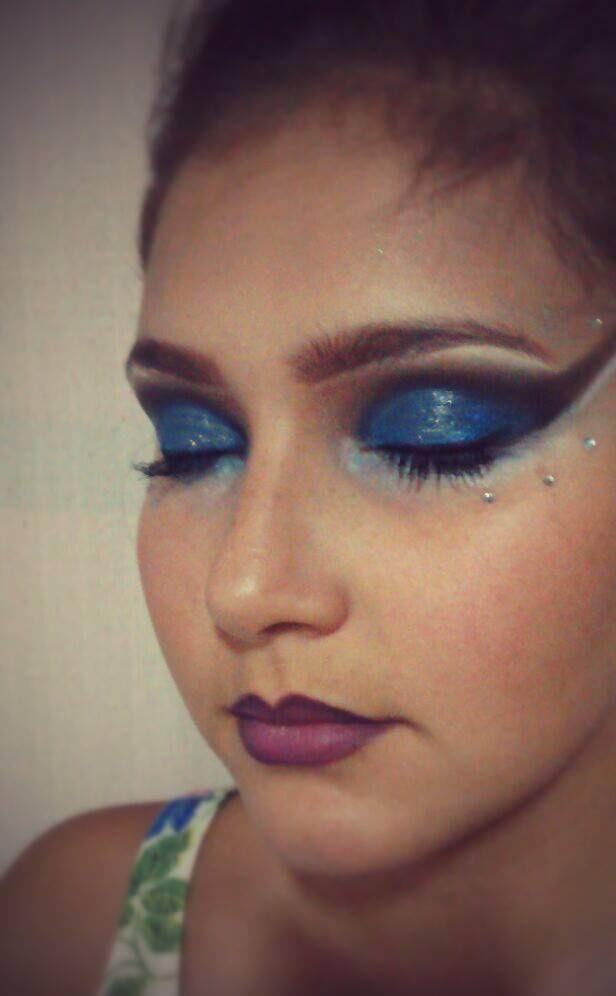 make artistica carnaval, desenho, contorno na boca  esteticista maquiador(a) designer de sobrancelhas massoterapeuta