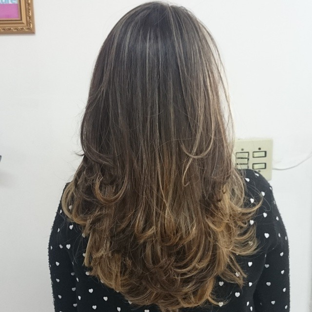 Ombré hair com luzes sutis. ombre hair, luzes, festa, restaurante, simples cabelo  visagista cabeleireiro(a) outros auxiliar cabeleireiro(a)