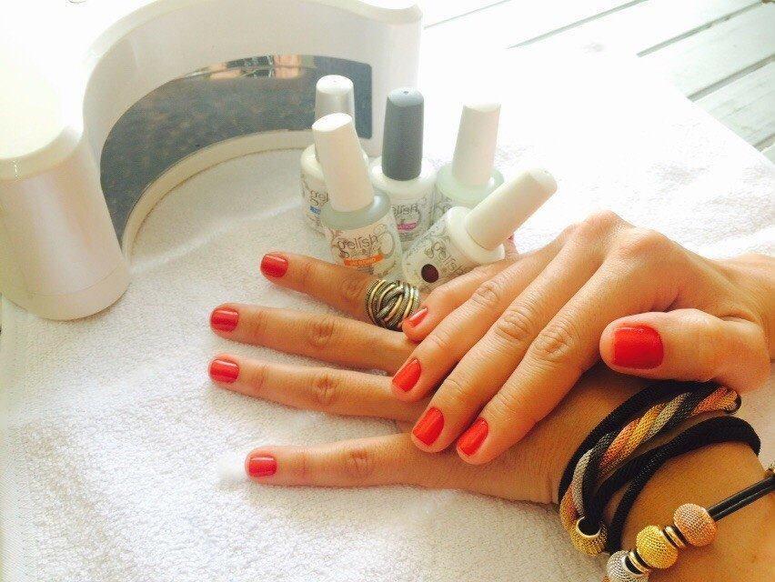 esmaltação em gel manicure e pedicure