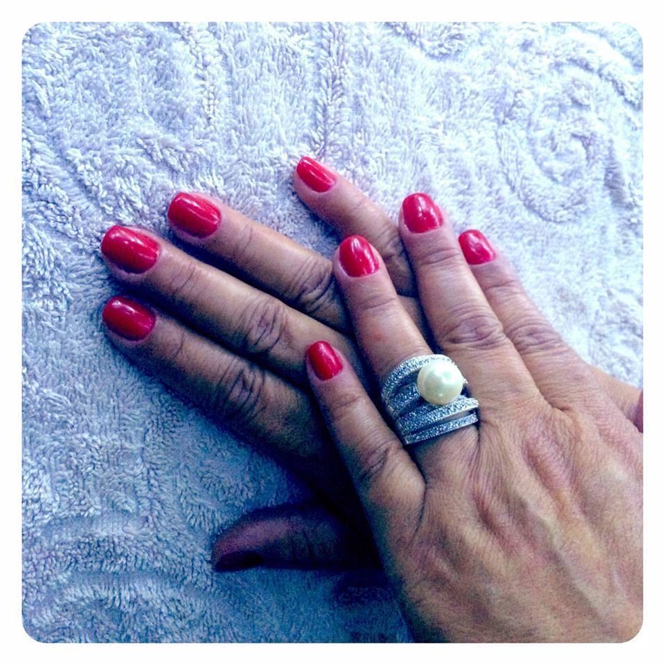esmaltação em gel dia-a-dia, festa, vermelho rosado unhas  manicure e pedicure