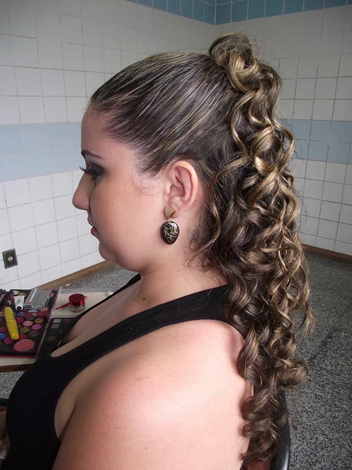 Penteado lindo para a noivinha! noivinha, casamento, madrinha, festa, noiva cabelo  maquiador(a)