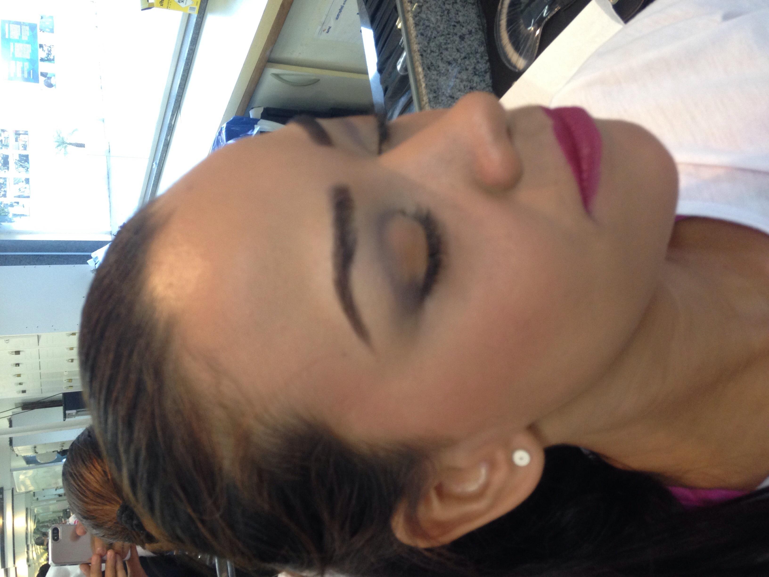 • Maquiagem Social para o Dia maquiador(a)