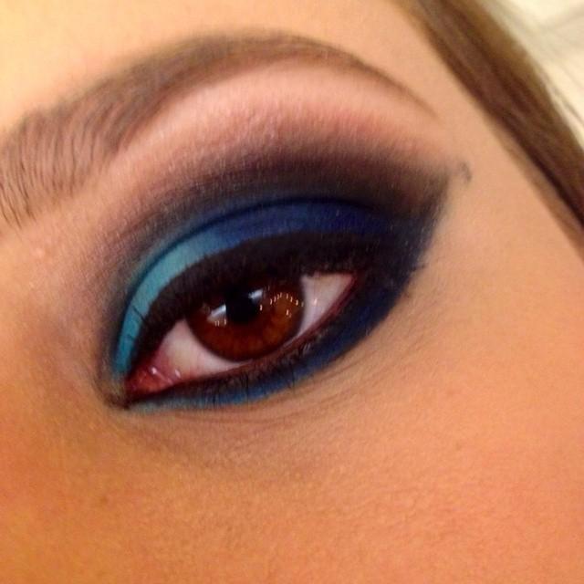 Rosana Bahia Makeup Trabalho realizado na cliente Clarissa em um curso de aperfeiçoamento! noite, balada, festa, delineado simples maquiagem  esteticista maquiador(a)