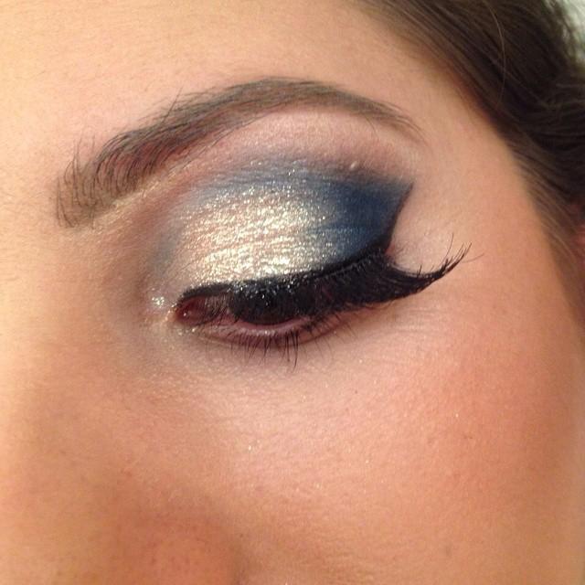noite, balada, festa, delineado simples maquiagem  esteticista maquiador(a)