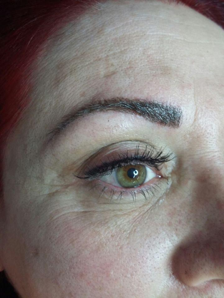 Micropigmentação  e alongamento de cílios  maquiador(a)